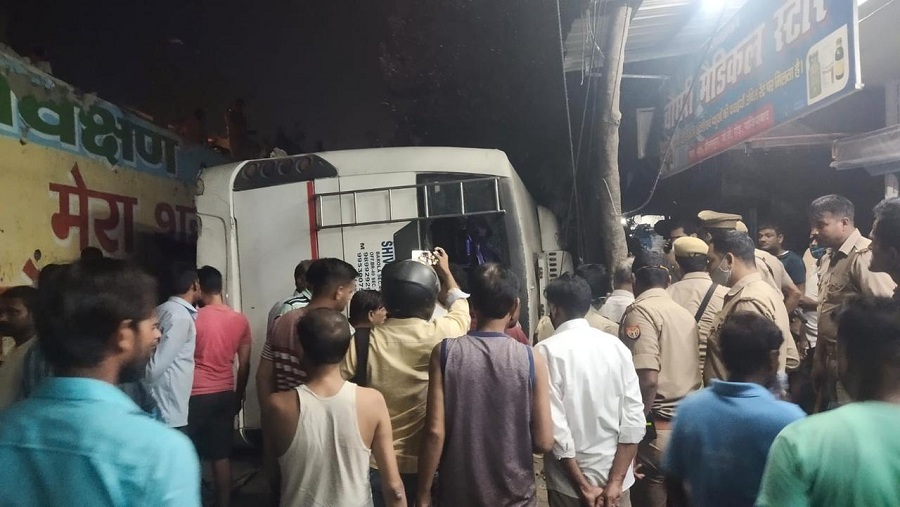 bus fall from flyover